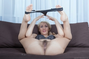 Mature pussy pictures - 8