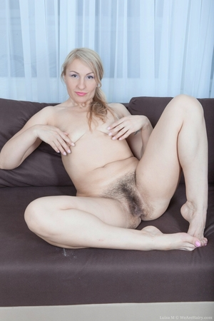 Mature pussy pictures - 10