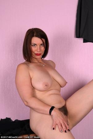 Mature pussy pics - 14