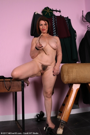 Mature pussy pics - 15