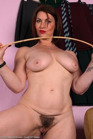Mature pussy pics - 16