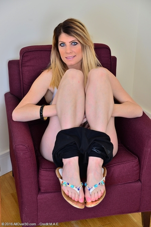 Hirsute empty tits amateurs pics - 5