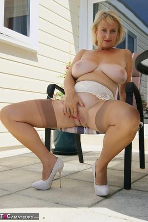 Mom spread pussy pics - 11