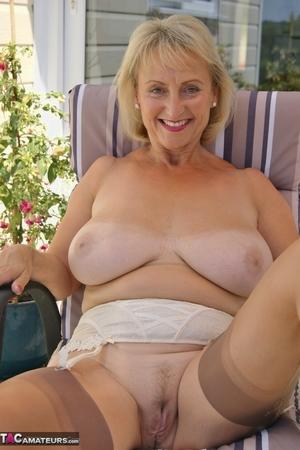 Mom spread pussy pics - 8
