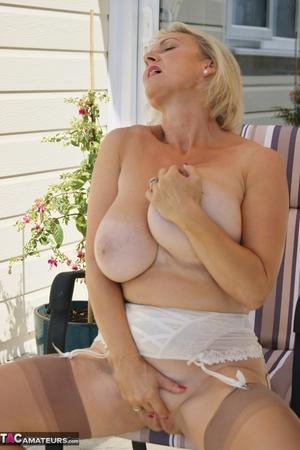 Mom spread pussy pics - 10