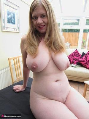 Fantastic matures pussy pics - 6