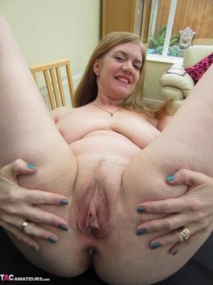 Fantastic matures pussy pics - 8