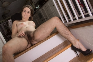 Hairy women black legs and pussy - 16
