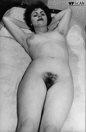 Vintage hairy muff - 11