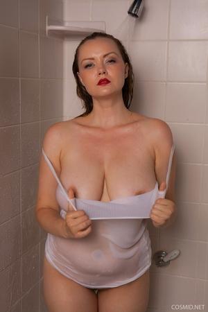 Hairy wet mature women pics - 6