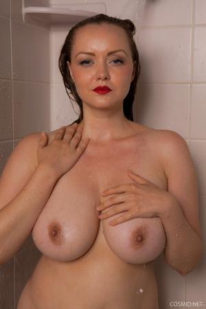 Hairy wet mature women pics - 9