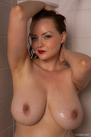Hairy wet mature women pics - 10