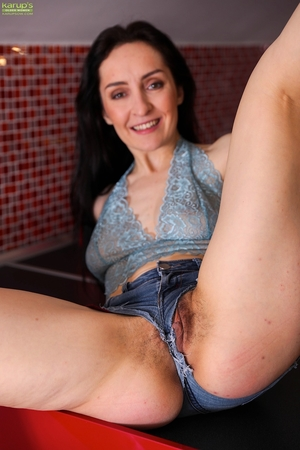 Photo ass mom pussy - 11