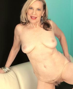 XXX old women naked - 12