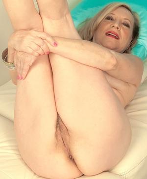 XXX old women naked - 16