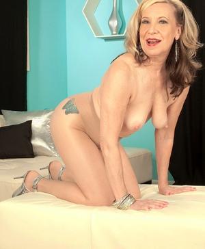 XXX old women naked - 7