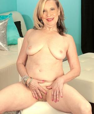 XXX old women naked - 9