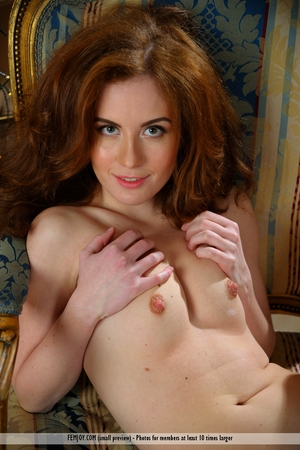 USA very beautiful and virgin pussy pic - 12
