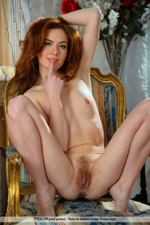 USA very beautiful and virgin pussy pic - 8