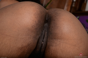 Black vaginas photos - 11