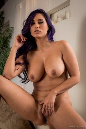 Free nude hairy women pics - 13