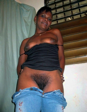Hairy African pussy - 2