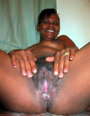 Hairy African pussy - 3