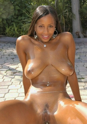 Largest africa women pussy pics - 8
