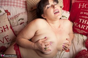 XXX pussy hairy fat pic - 13