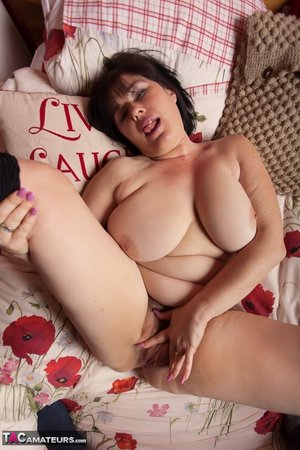 XXX pussy hairy fat pic - 4