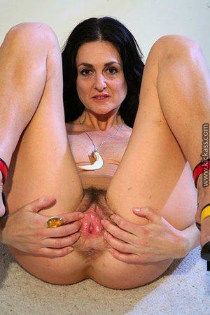 Dick inside milf hairy pussy pics - 10