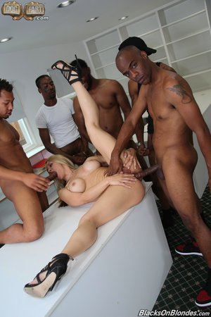 Porn pictures photo - 10