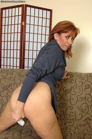 Mature hairy pussy - 7