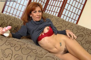 Mature hairy pussy - 9