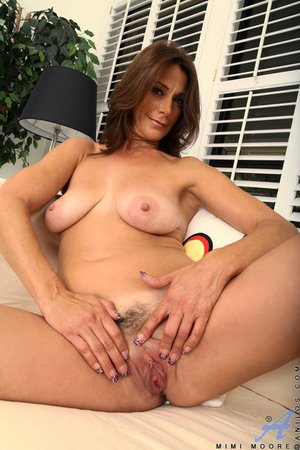 Mature hairy pussy pictures - 8