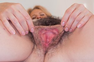 Mature woman full bush hairy pussy photos - 11