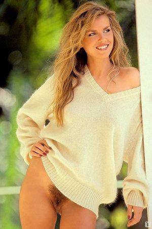 Beautiful hairy female crotches - 10