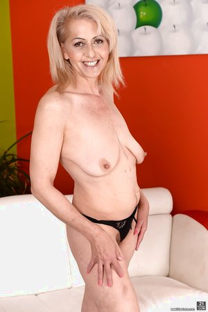 Most beautiful older women hairy pussy - 9