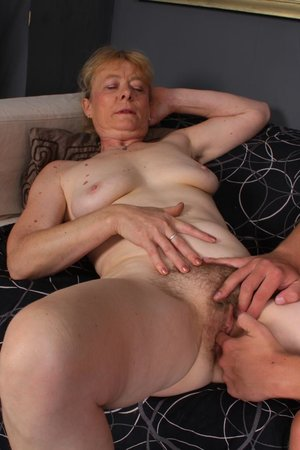 Young dick fucking hairy old pussy pic - 11