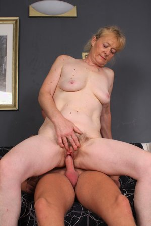 Young dick fucking hairy old pussy pic - 17