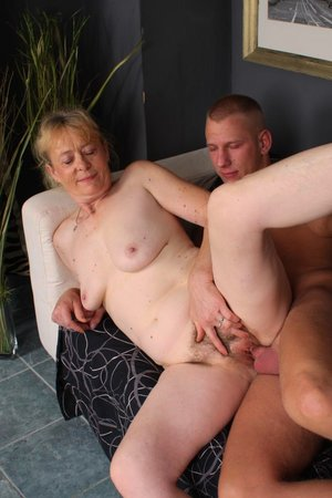 Young dick fucking hairy old pussy pic - 23
