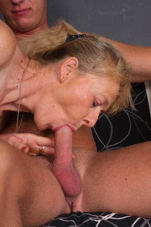 Young dick fucking hairy old pussy pic - 7