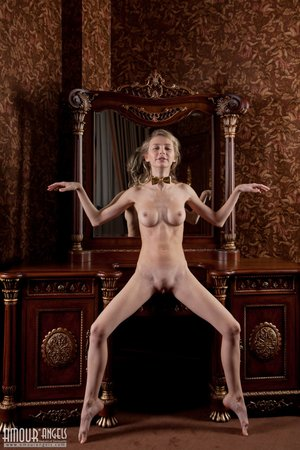 Nude anorexic pics - 10