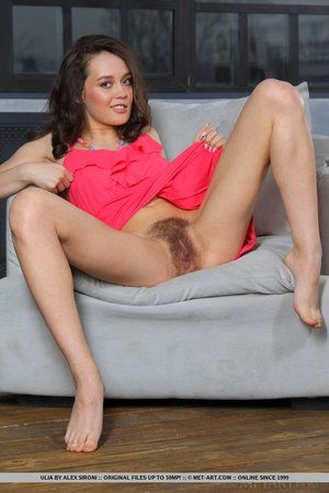 Free pics hairy young - 4